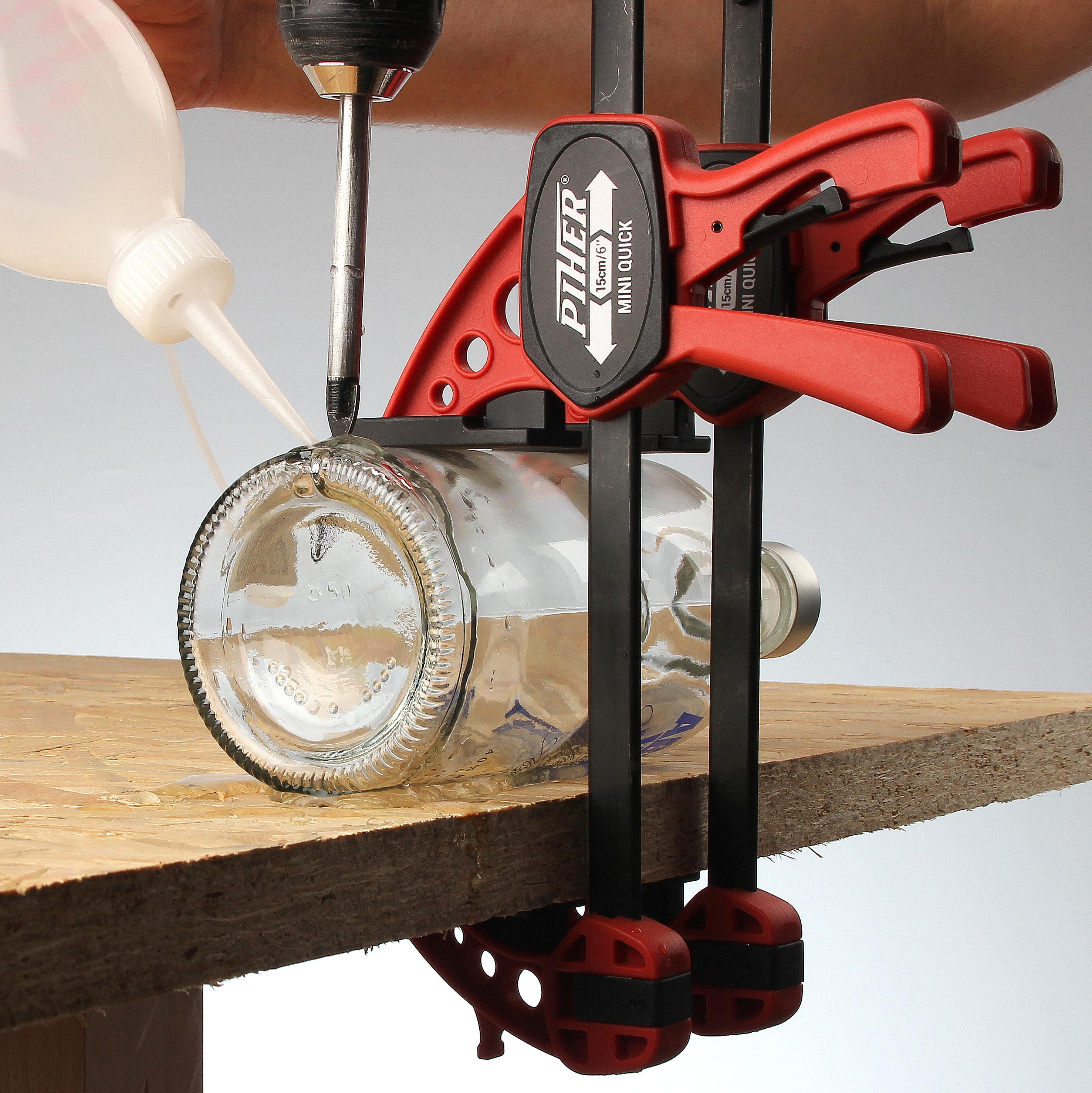 flaschenlampe textilkabel selber bauen loch bohren 2 diy. Black Bedroom Furniture Sets. Home Design Ideas